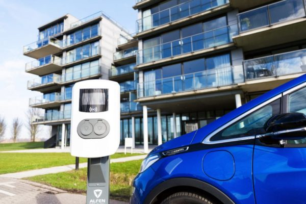 EVE Commercial Electric Vehicle Charging-Point-With Car Connected Outside Offices In Business ark